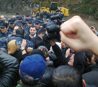 Georgian Ministry of Energy orders use of force against local protesters who fear landslides from hydro construction
